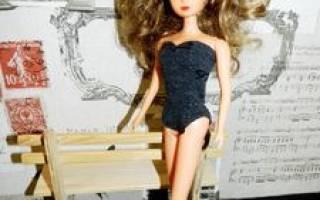 Видео как сделать купальник для куклы барби