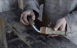 Видео как сделать из дерева нож