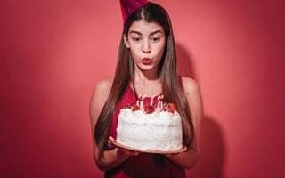 Какую прическу сделать на день рождения